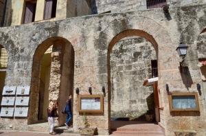 Convento de San Francisco arches