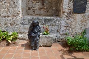 Mother Teresa de Calcutta seated