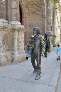 Statute of El Caballero de Paris