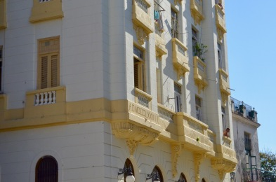 Havana Yellow building