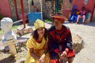 Callejon de Hamel - Santeria dancers